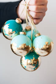 Diy christmas ornaments the argosy this holiday season spice up your christmas tree with homemade ornaments get out your supplies and get together with your family friends solutioingenieria Choice Image
