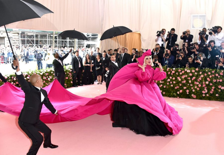 """Met Gala Brings Extravagance and Artifice to NYC with """"Camp"""" Theme"""