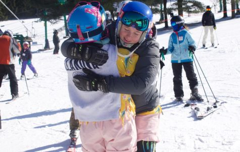 Senior Ski Racers Say Goodbye
